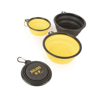yellow and black collapsible dog bowls