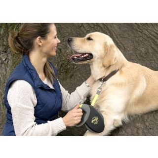 owner and dog with flexi retractable dog lead